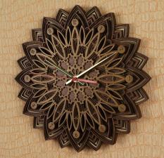 Часы настенные многослойные из дерева